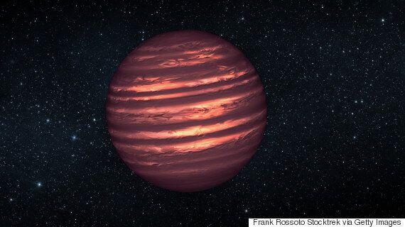 이제까지 발견된 항성계 중 가장 큰 곳은 행성이 하나뿐이고 별에서 엄청나게