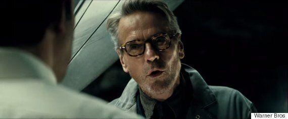 '배트맨 v 슈퍼맨'에서는 이 남자가 알프레드