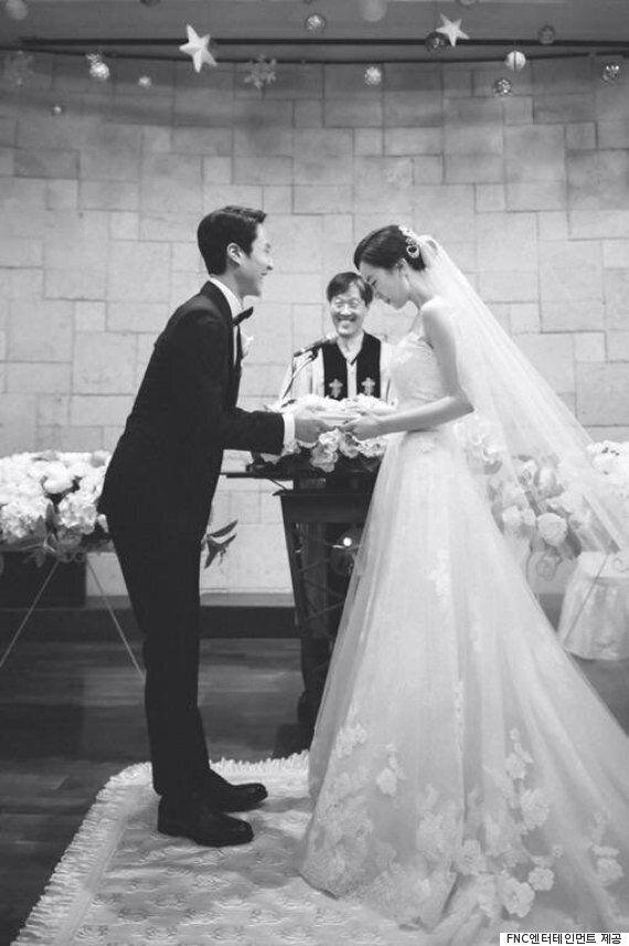 정우♥김유미, 결혼식 본식 사진 공개..'해맑은
