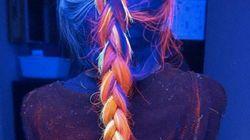 어둠 속에서 빛나는 머리카락이 새로운 뷰티