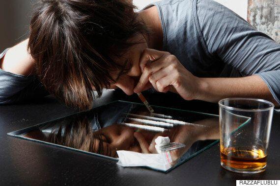 이 의사는 중독이 어린 시절부터 시작된다고