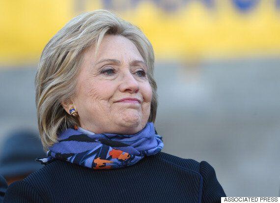 힐러리, 또 이메일 수렁에 빠져들다 : 개인서버에서 극비정보