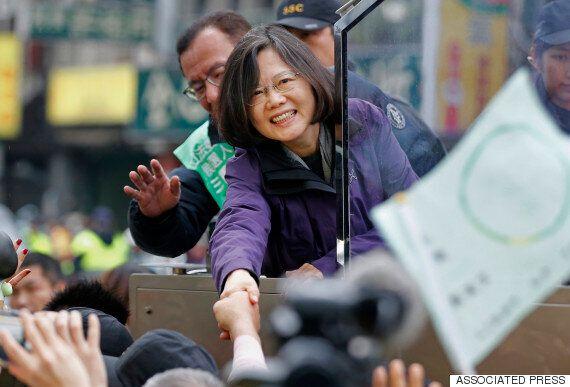 8년 만의 정권교체 : 대만 역사상 첫 여성 총통