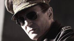 맥아더 장군으로 변신한 리암니슨의 모습(사진