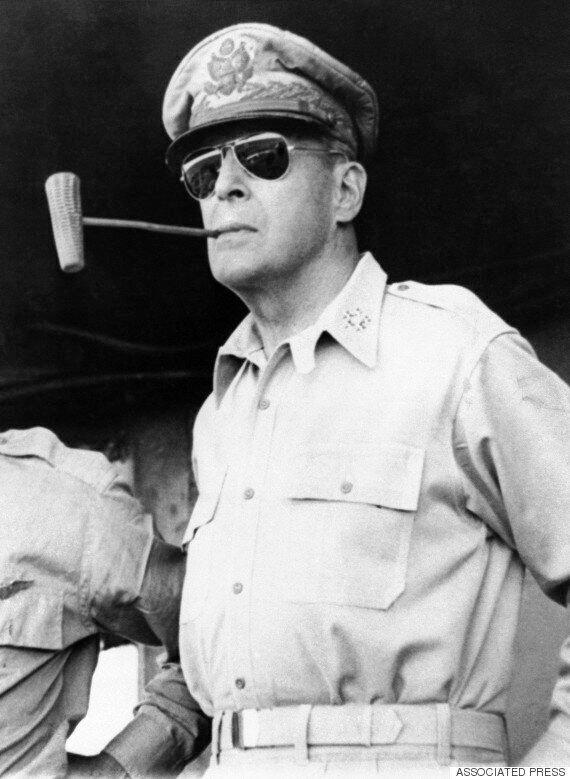 영화 '인천상륙작전'에서 맥아더 장군으로 변신한 리암니슨의 모습(사진