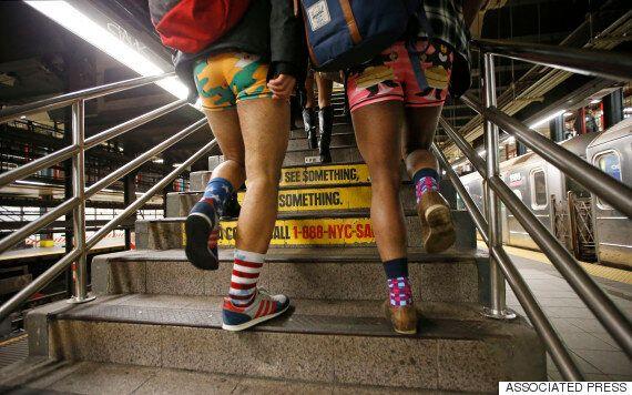 [화보] '바지 벗고 지하철 타기'로 하나된 세계