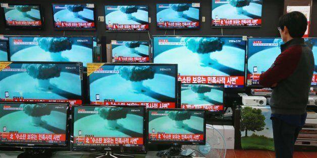북한은 그저 항상 부르던 노래를 다시