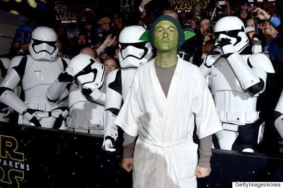 '스타워즈:깨어난 포스'의 프리미어 행사장에 나타난 조셉 고든 래빗의 놀라운