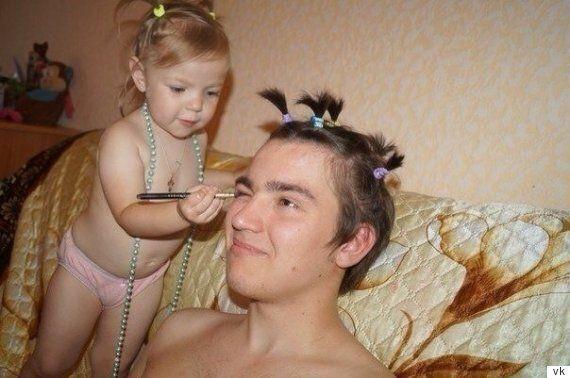 딸들이 아빠를 좀 꾸며주고 싶을 때 생기는