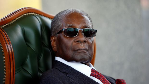 """Zimbabwe's former president Robert Mugabe looks on during a press conference at his private residence nicknamed """"Blue Roof"""" in Harare, Zimbabwe, July 29, 2018. REUTERS/Siphiwe Sibeko"""
