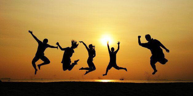 행복한 사람들이 매일 치르는 간단한 의식