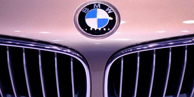 달리던 BMW에서 또 불이 났다. 다섯