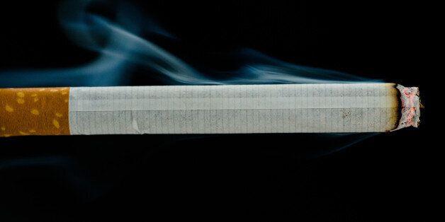 담뱃값 인상은 '후딱', 담배 광고 금지는