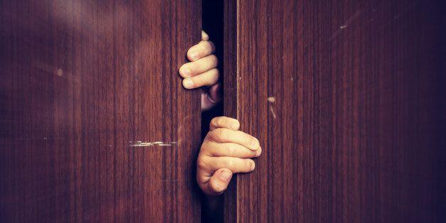 30대 아버지가 감금·폭행·방치한 11살 딸이 스스로