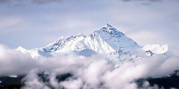 기후변화로 에베레스트 빙하 40년간 28%