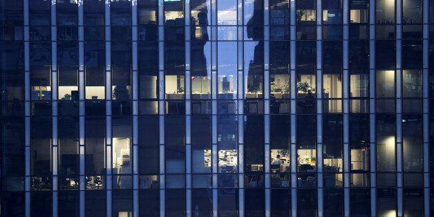 한국, '1인당 노동시간'에서 OECD 국가 1위
