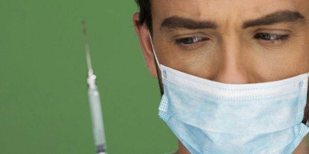 과연 남성까지 자궁경부암 백신을 맞혀야