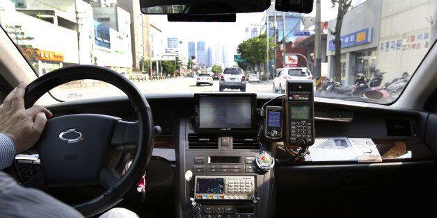 택시기사가 400원 때문에 수험생을 차에 태워 끌고