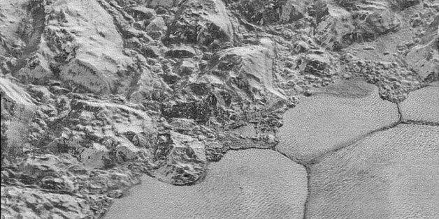 NASA가 공개한 명왕성 고해상 근접사진
