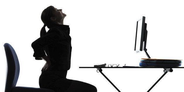 직장인 36%, 사무실에서 가벼운 운동도 못한다 : '눈치보여서'가 35%로