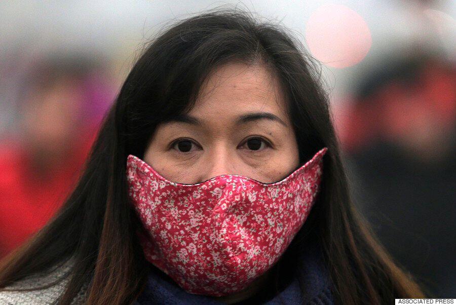 스모그 적색경보의 시대 : 지금 베이징의 마스크 스트리트