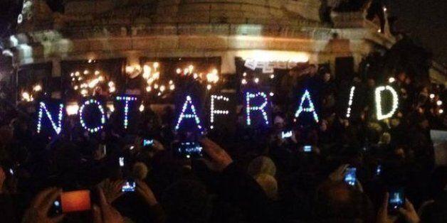 파리 시민들을 애도하는 유명인들의 메시지(트윗