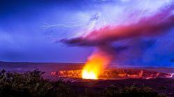 너무나도 비현실적인 하와이 화산 번개의