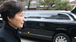 조선일보가 전한 'YS 영결식 불참' 박근혜 대통령의