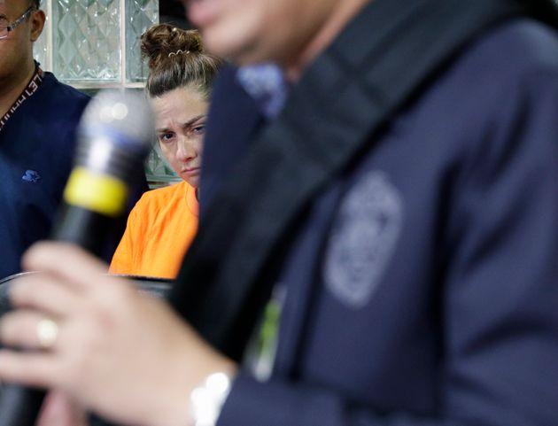«Ήθελα να το πάω να το ευλογήσουν» λέει η Αμερικανίδα που συνελήφθη με ξένο μωρό στις