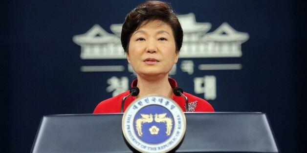 청와대 총선 예상 출마자 12명과 '진실한