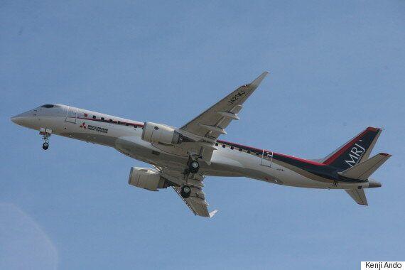 일본 최초의 국산 제트여객기 MRJ가 첫 비행에