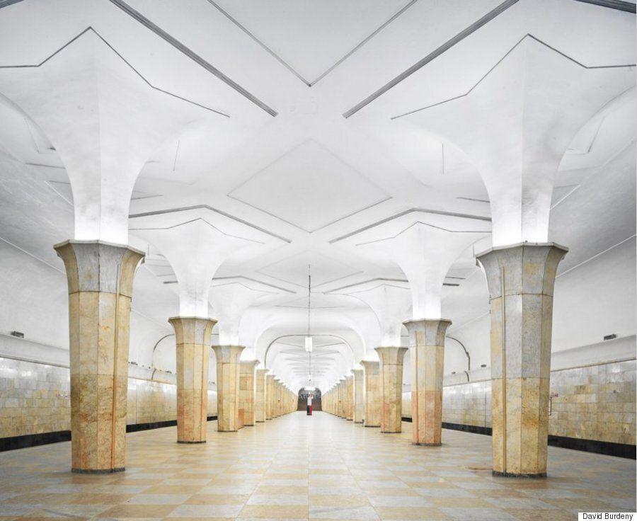 모스크바의 지하철역 내부는 그 자체로 하나의