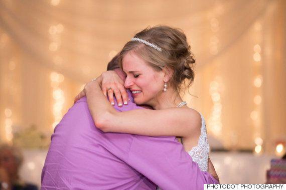 골수 이식을 해준 사람을 결혼식에 초대한 신부, 그와 함께 춤을