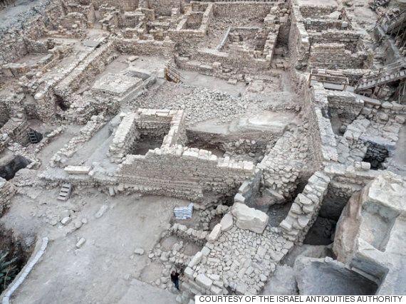 예루살렘 주차장 밑에서 고대 그리스 요새가