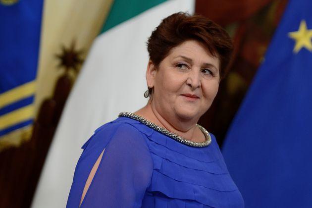 La ministra Bellanova criticata sui social:
