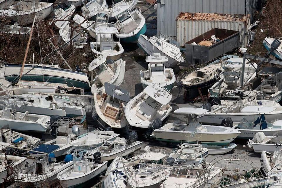 Βάρκες που ξεβράστηκαν...