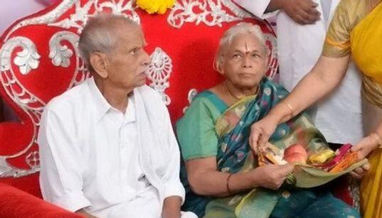 Ινδία: Γέννησε δίδυμα στα 73 της - και την επόμενη ο σύζυγος της έπαθε