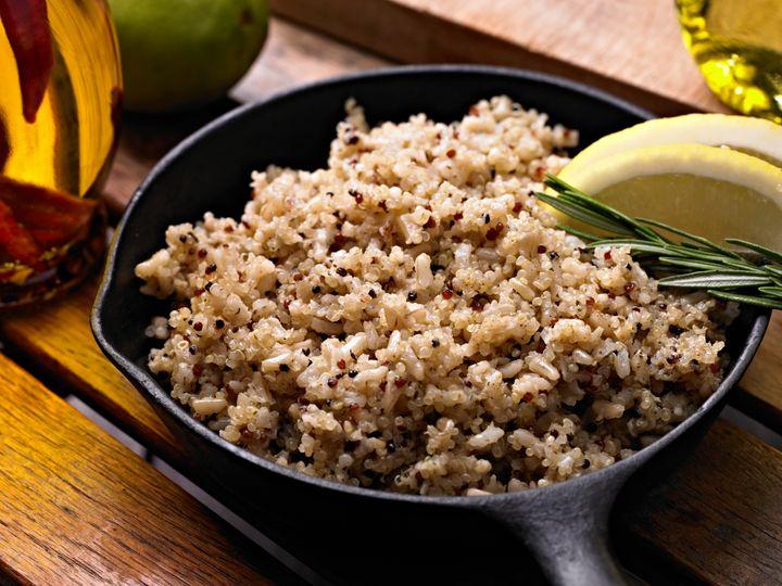 <i>A quinoa n&atilde;o s&oacute; &eacute; permitida nos quatro planos de refei&ccedil;&atilde;o, mas tamb&eacute;m &eacute; uma &oacute;tima fonte vegetariana de prote&iacute;na completa.</i>