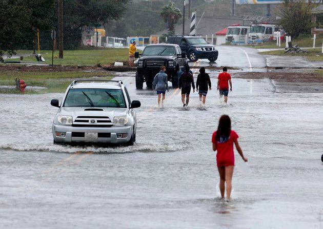 Les îles de Caroline du Nord inondées après le passage de l'ouragan Dorian, comme...