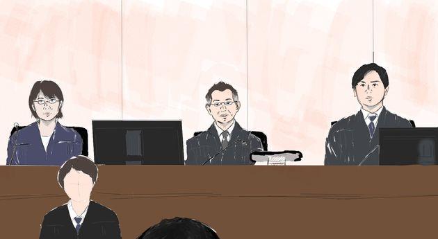 船戸優里被告は被告人質問で裁判長の正面にある証言台につくと、落ち着いて質問に答え始めた