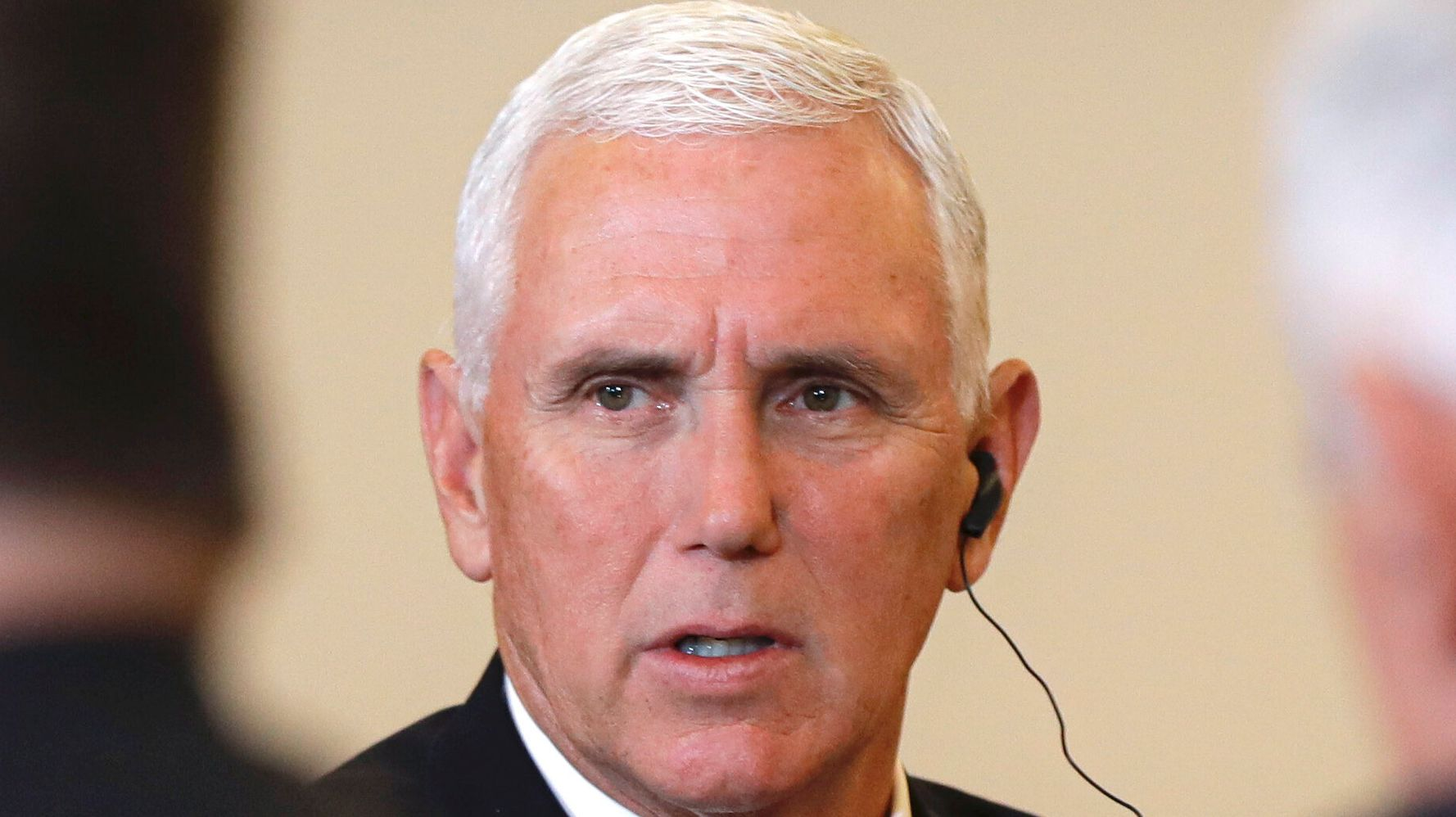 Westlake Legal Group 5d738cc123000023025126d7 Jimmy Kimmel Thinks Mike Pence Is (From) Out Of This World