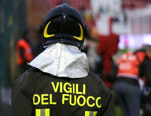 Esplosa palazzina alle porte di Roma: una persona
