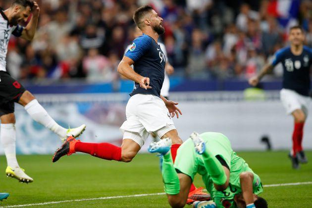 Olivier Giroud célèbre son but contre l'Albanie ce samedi 7