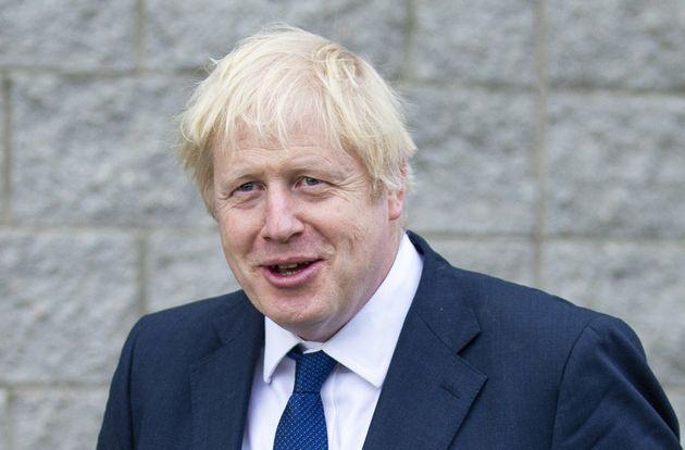Boris vola nei sondaggi perdendo i pezzi, via pure