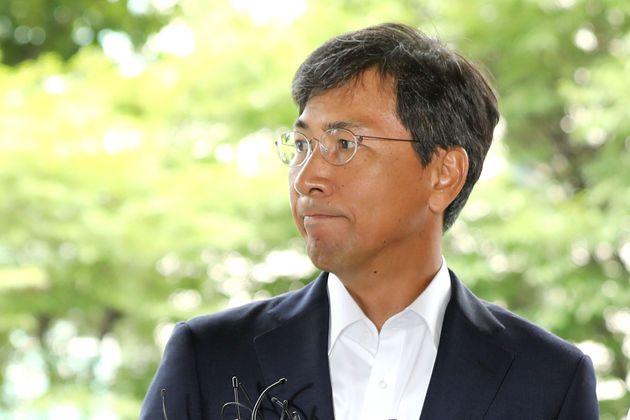 안희정, 미투 폭로 1년 6개월 만에 '징역 3년6개월'