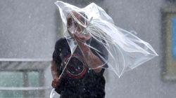 Με ανέμους ταχύτητας έως 207χλμ/ώρα σάρωσε ο τυφώνας Φασάι το