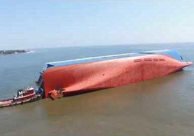 현대글로비스 사고 선박, 내부에서 '두드리는 반응'
