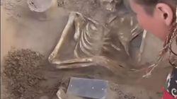 Αρχαιολόγοι βρήκαν (κάτι που μοιάζει με) «αρχαίο smartphone» στη «Ρωσική Ατλαντίδα» στη