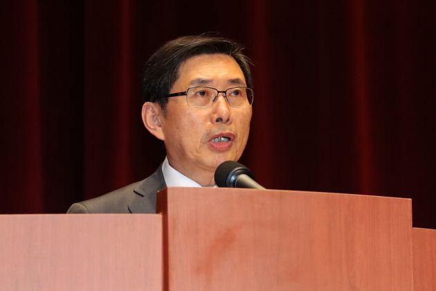 박상기 법무장관이 퇴임하면서 검찰에 쓴소리를 남겼다