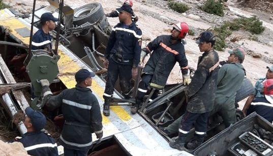 Renversement d'un autocar à Errachidia: le bilan monte à 17 morts et 29
